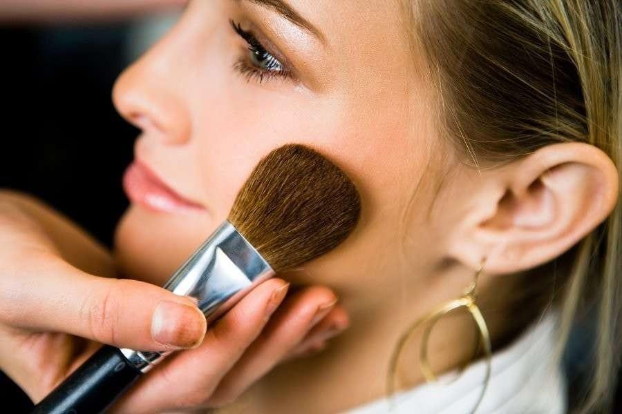 Best Bronzer For Fair Skin 2020: From Pale To Fair Skin